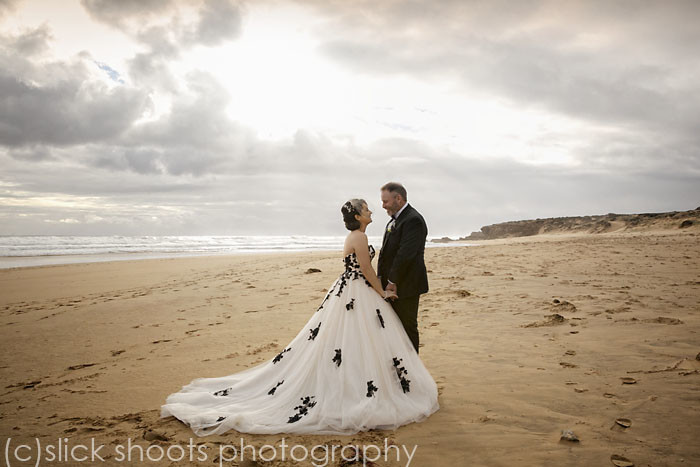 richard and zoe wedding mornington peninsula beach